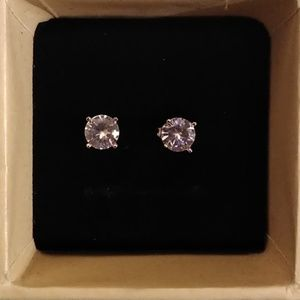 Fine Jewelry Jewelry - Brilliant VVS1 2CTW Solitare Round Stud earrings.